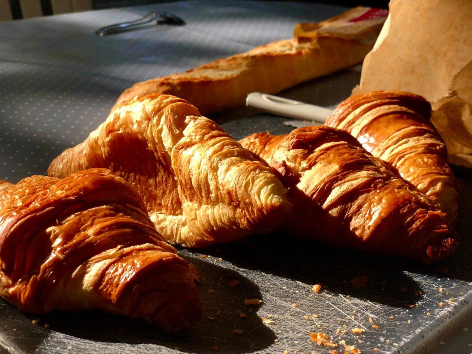 verse croissants uit het winkeltje
